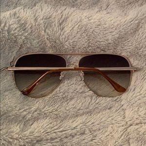 Quay Australia Accessories - Quay High Key Sunglassea Gold Mirrored Aviators